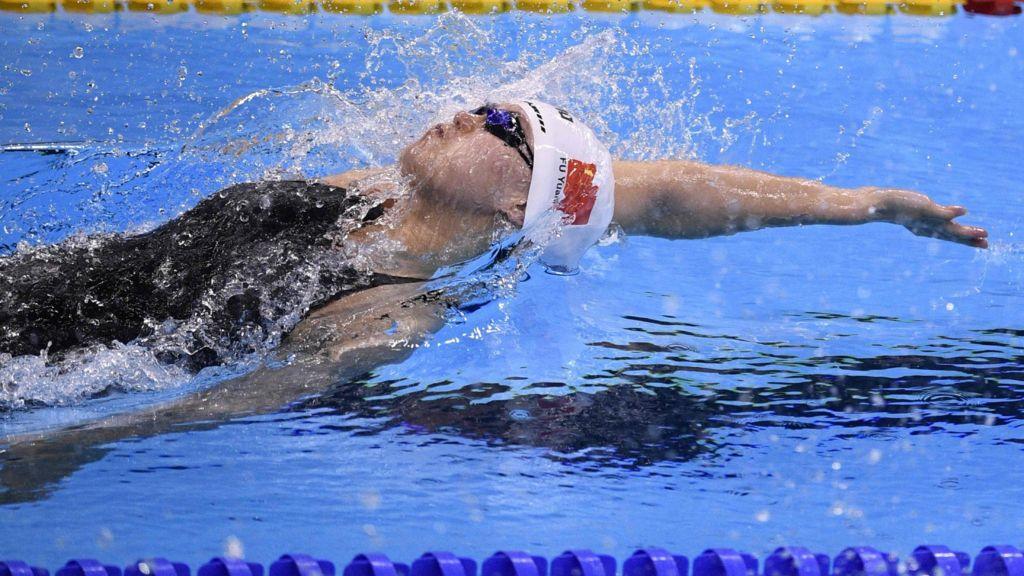 روش کنترل پریود شدن در زمان شنا