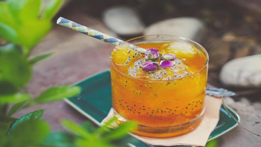 طرز تهیه شربت زعفران خوشمزه و مجلسی خانگی با گلاب و آبلیمو