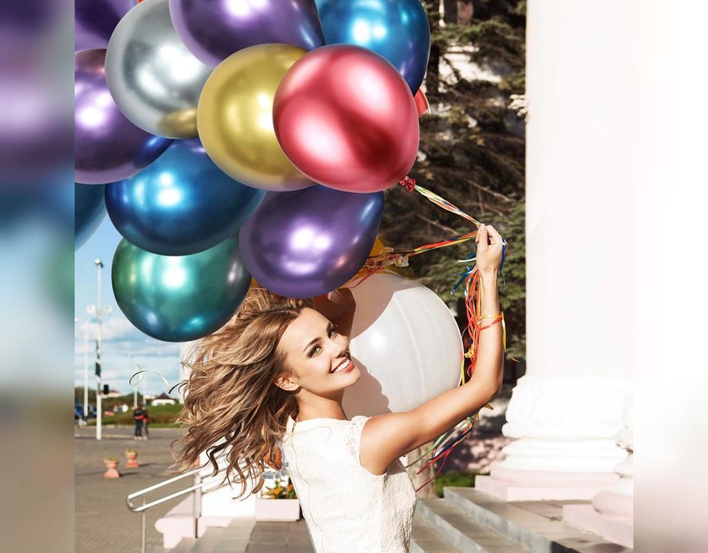ژست اینستاگرامی عکس تولد دخترانه در فضای باز