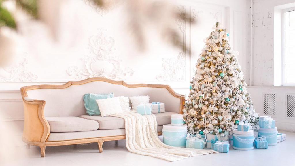 تاریخچه درخت کریسمس و دلایل تزیین و استفاده از آن