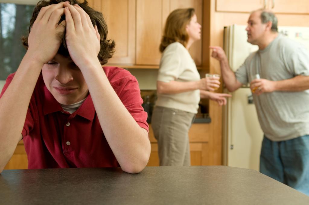 نکات مهم روش برقراری ارتباط با والدین زورگو و سمی