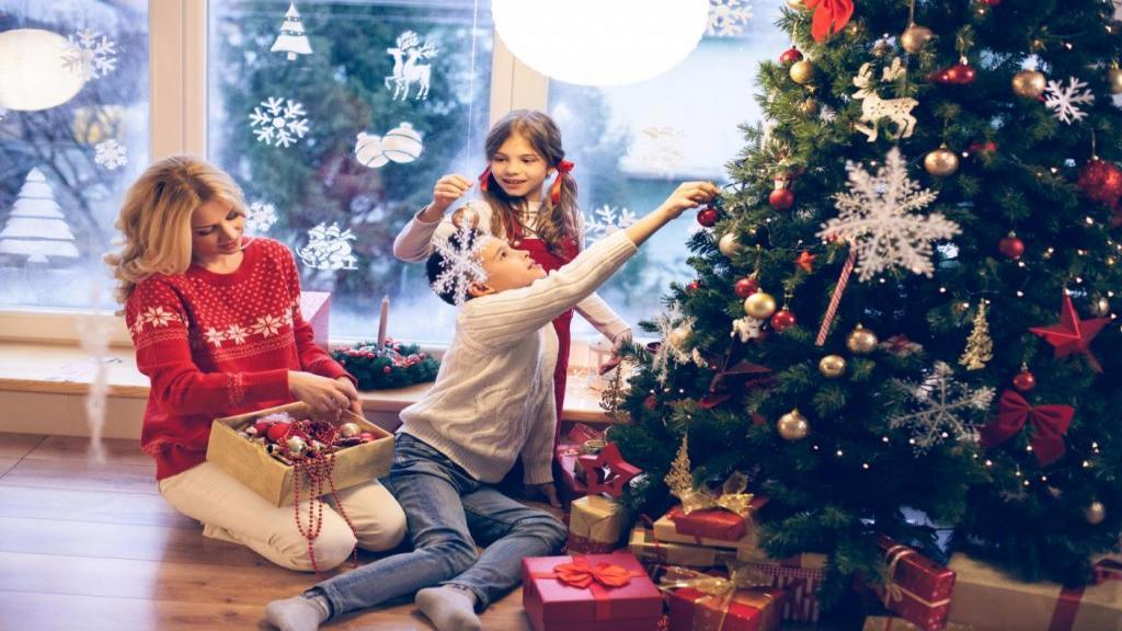 ایده های تزیین درخت کریسمس در خانه ساده، مدرن و زیبا