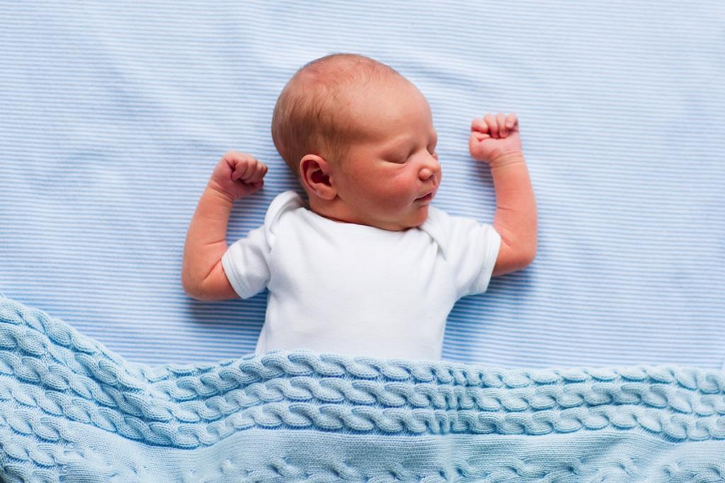 بهترین و امن ترین حالت خوابیدن نوزاد
