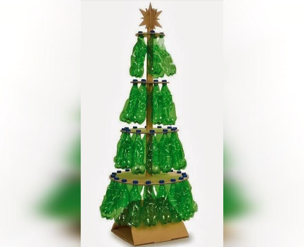 تزیین درخت کریسمس با بطری نوشابه