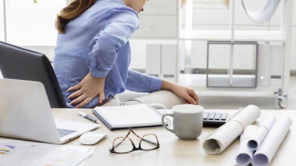 ورزش برای کمردرد ؛ رفع سریع درد پشت و کمر با 6 حرکت کششی ساده