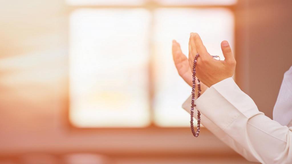 سوره و دعای رزق و روزی و گشایش کار از امامان و قرآن کریم