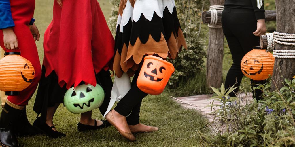 بررسی کامل جشن هالووین