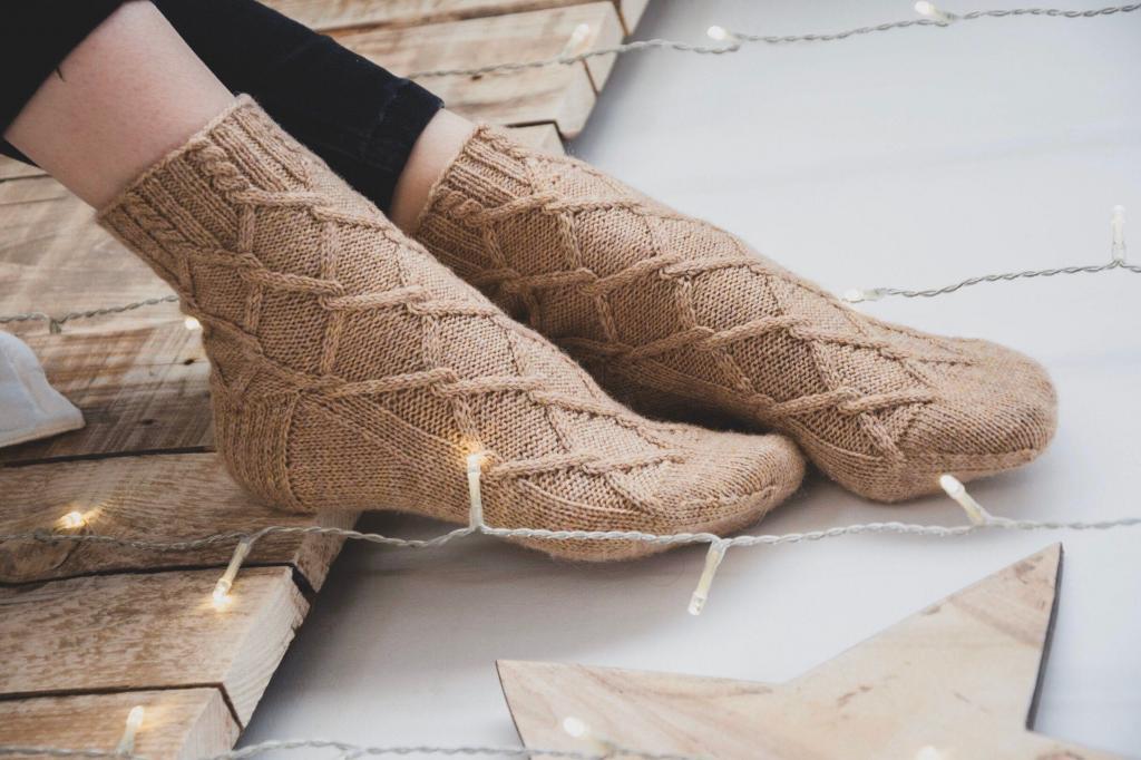 جوراب بافتنی زنانه
