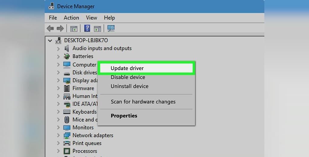 برای حل مشکل شارژ نشدن باتری لپ تاپ ویندوزی، روی driver(s) کلیک راست کنید و Update driver را انتخاب کنید