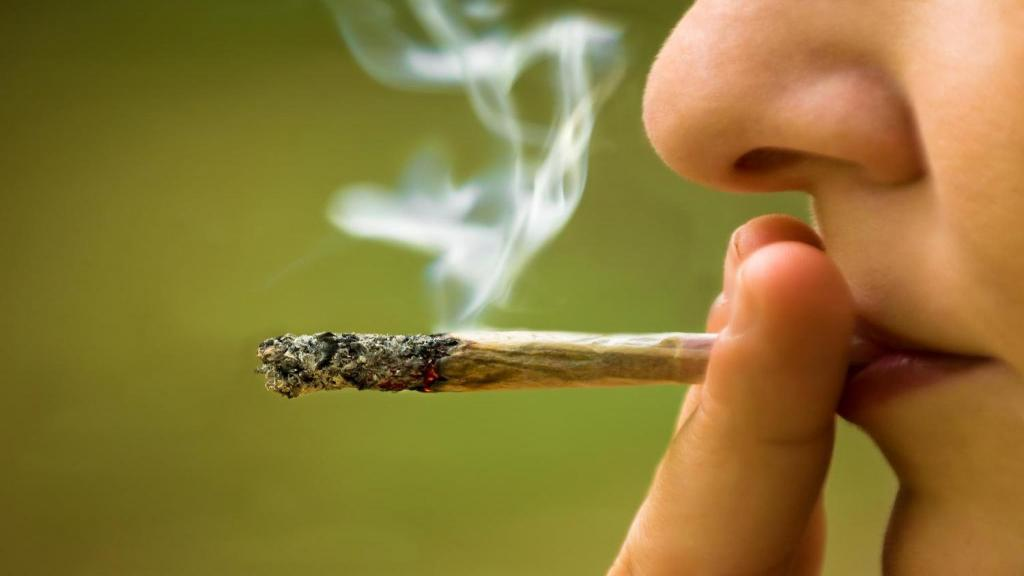 علائمی که نشان می دهد فرزند نوجوان شما ماریجوانا مصرف می کند