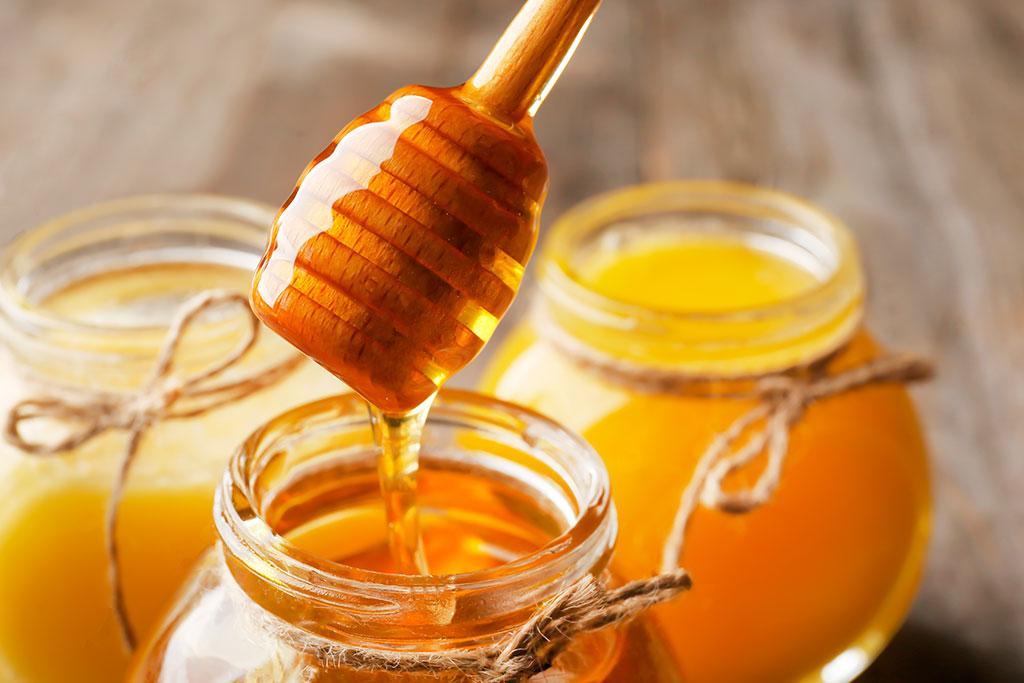 نحوه استفاده از ماسک عسل روی صورت