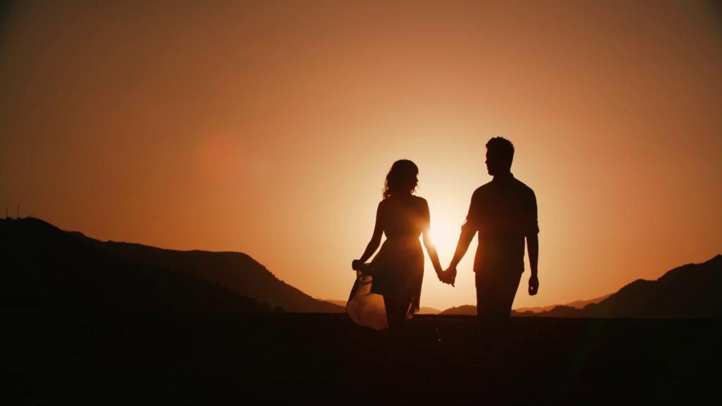 عکس ست دختر و پسر در غروب آفتاب برای پروفایل