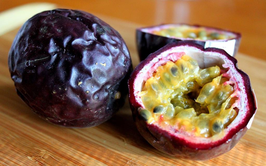 مزایای میوه گل ساعتی (پشن فروت) برای مشکلات تنفسی