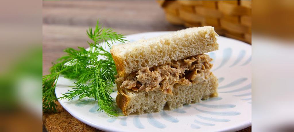 طرز تهیه ساندویچ تن ماهی