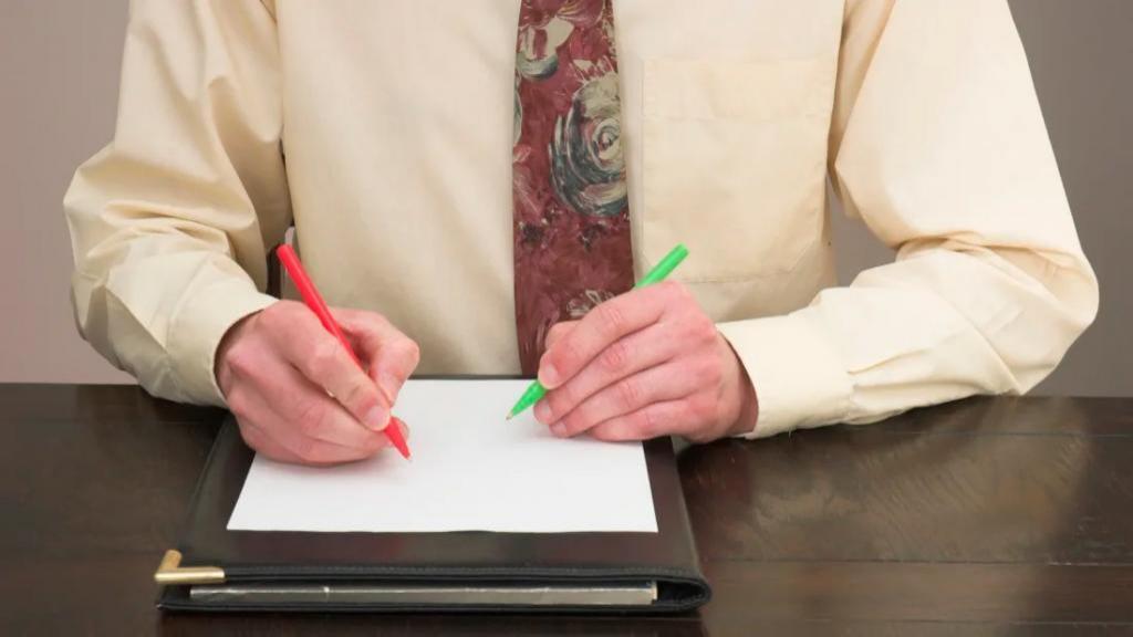 آموزش نوشتن و انجام کارها با هر دو دست با روش های ساده