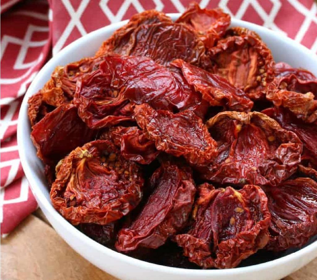 طرز خشک کردن گوجه فرنگی در خانه