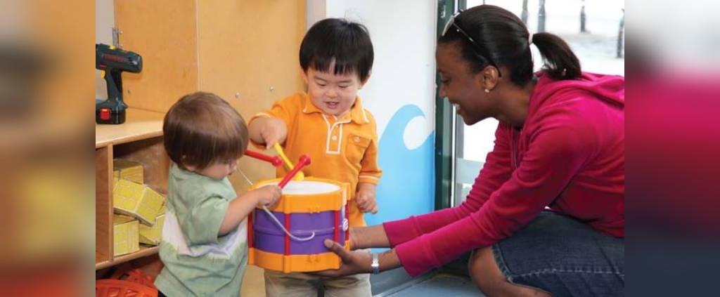 راهنمای انتخاب اسباب بازی مناسب برای کودکان یک ساله