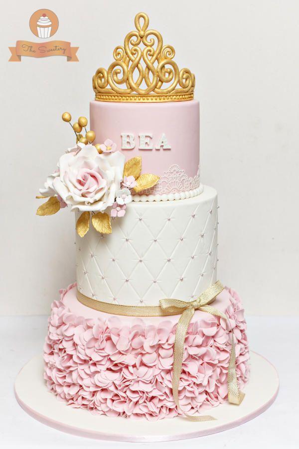 کیک تولد دخترانه شیک تاج دار جدید