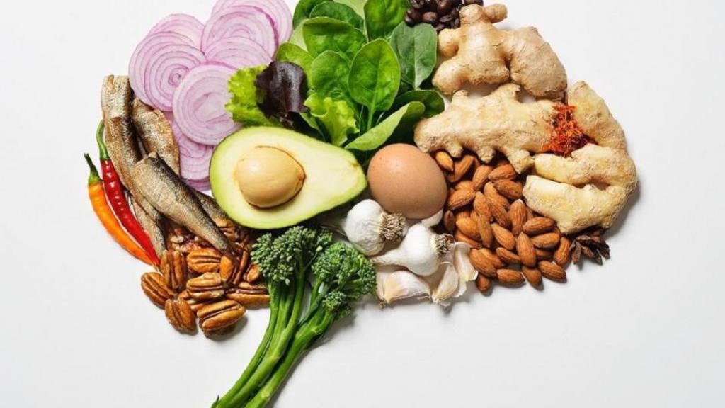 غذاهایی برای بهبود مغز؛ 12 غذایی که عملکرد مغز را افزایش می دهند