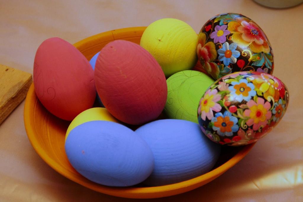 تزیین تخم مرغ رنگی برای هفت سین