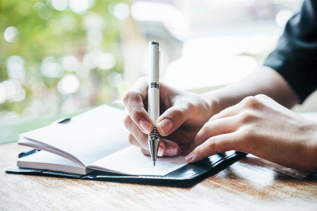 نوشتن احساسات از راه های فراموش کردن معشوق سابق