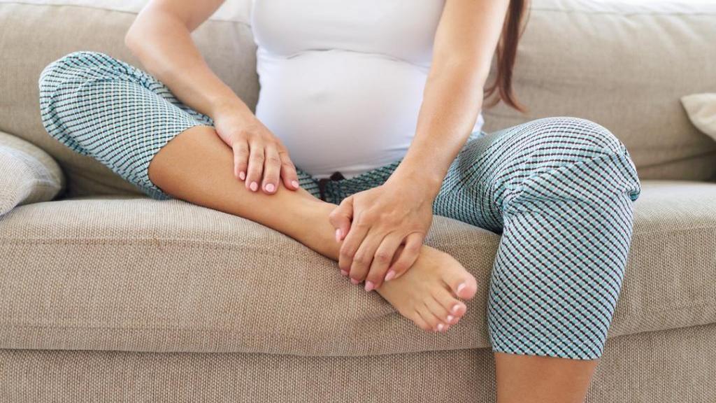 ورم بارداری؛ 10 درمان خانگی و ساده برای درمان ورم پاها در بارداری