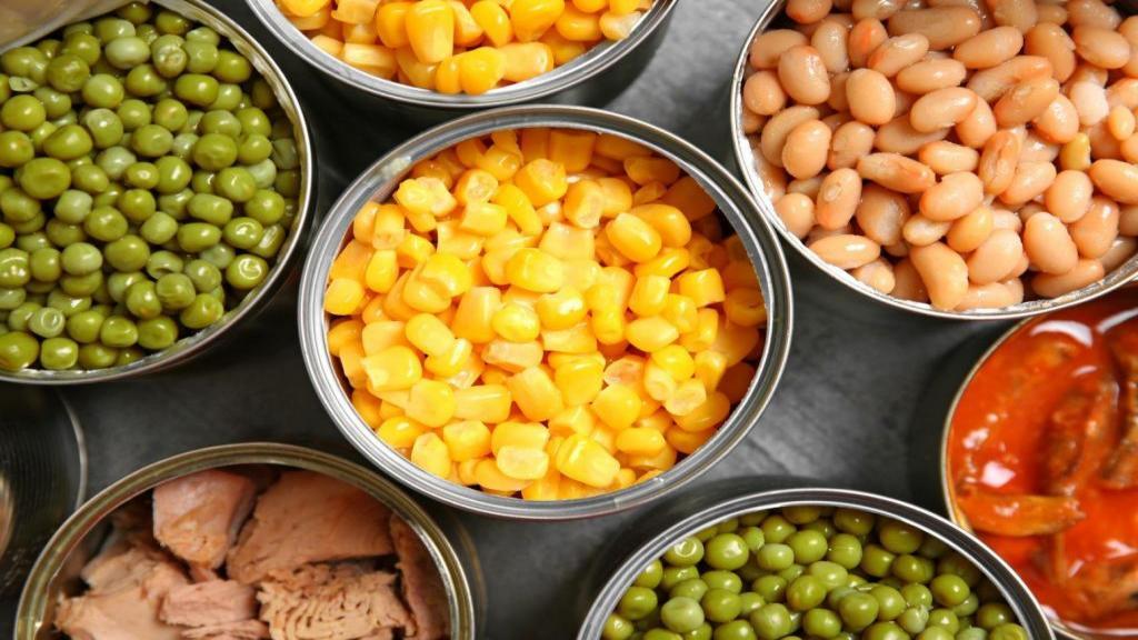 علت جوشاندن کنسرو مواد غذایی قبل از مصرف چیست؟