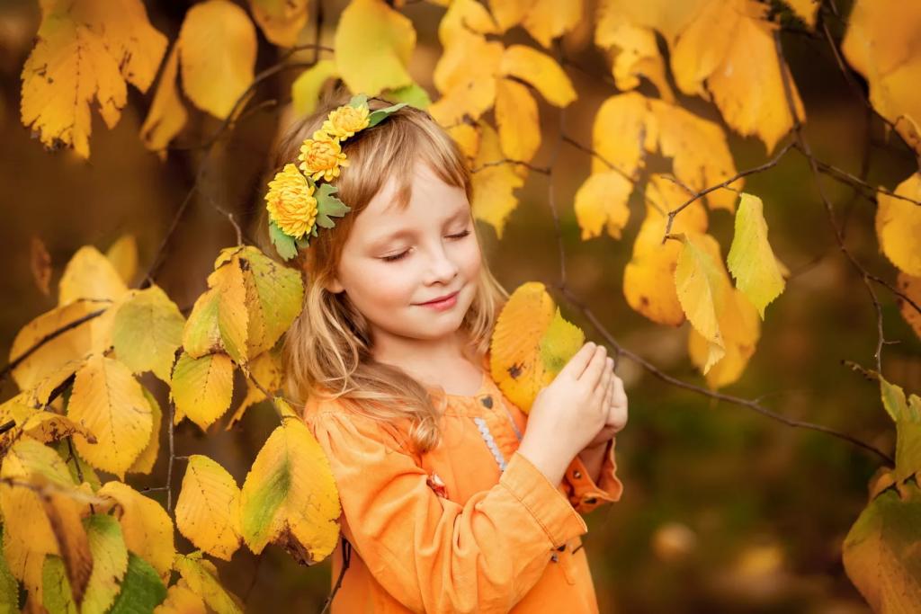 ژست زیبا و فانتزی عکس پاییزی دختر بچه