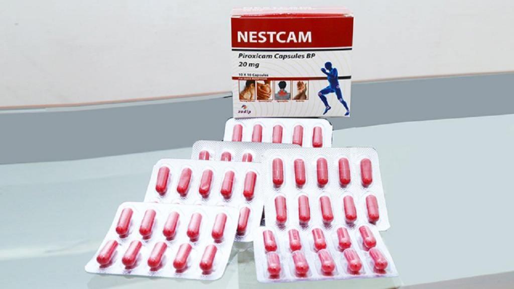 پیروکسیکام؛ موارد استفاده، روش مصرف، عوارض جانبی، تداخلات دارویی و روش نگهداری آن