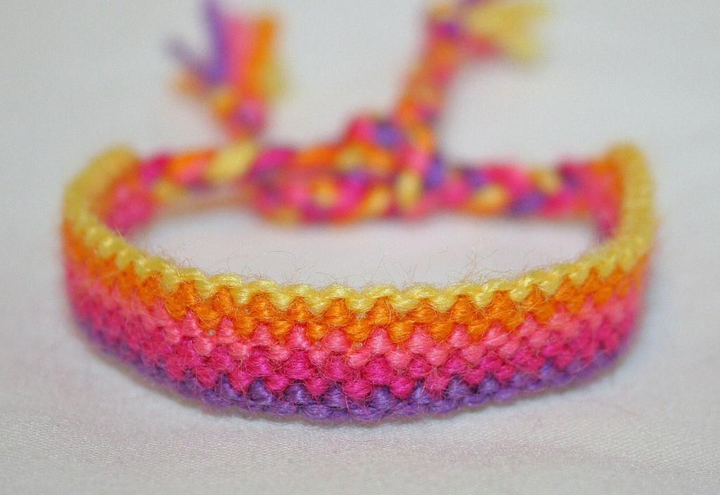 دستبند بافت دخترانه پهن