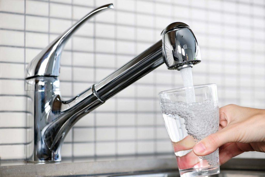 عوارض مصرف بیش از حد آب