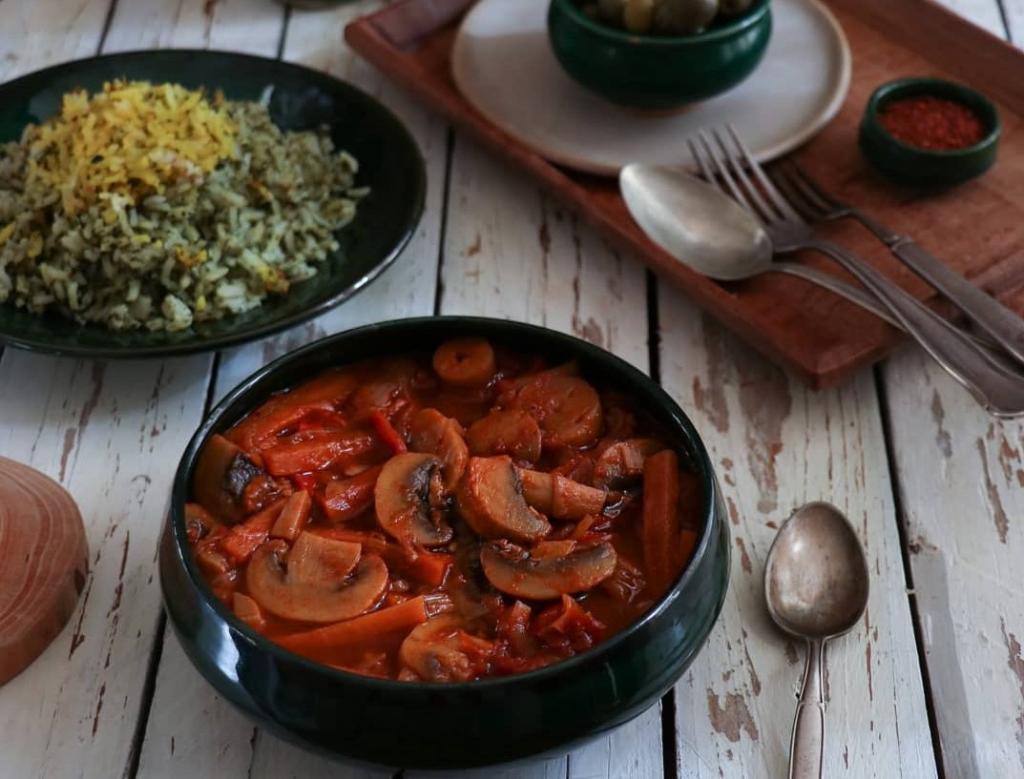 طرز تهیه خوراک قارچ و سبزیجات
