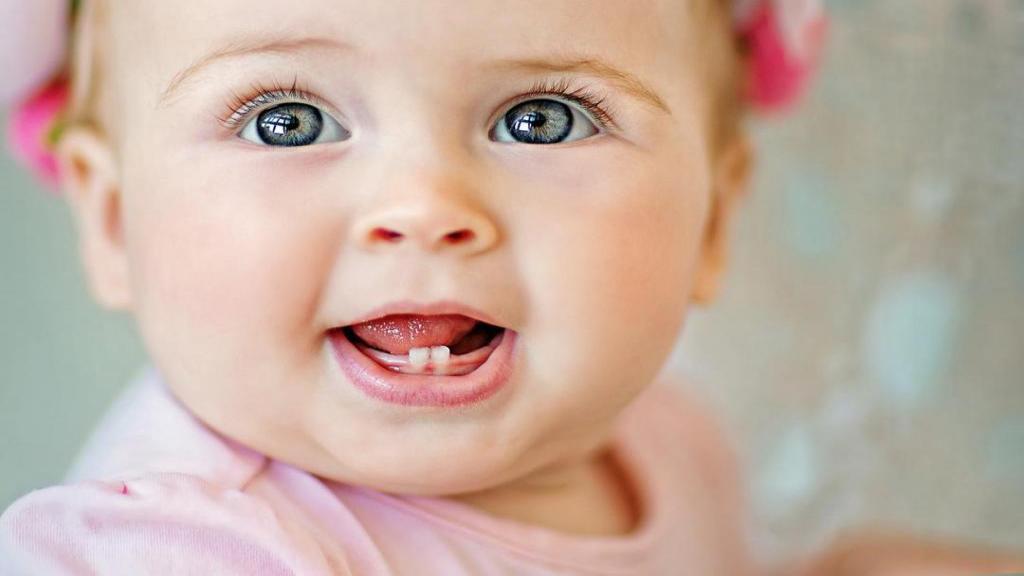 علائم دندان در آوردن و راه های کاهش درد دندان در آوردن در نوزادان