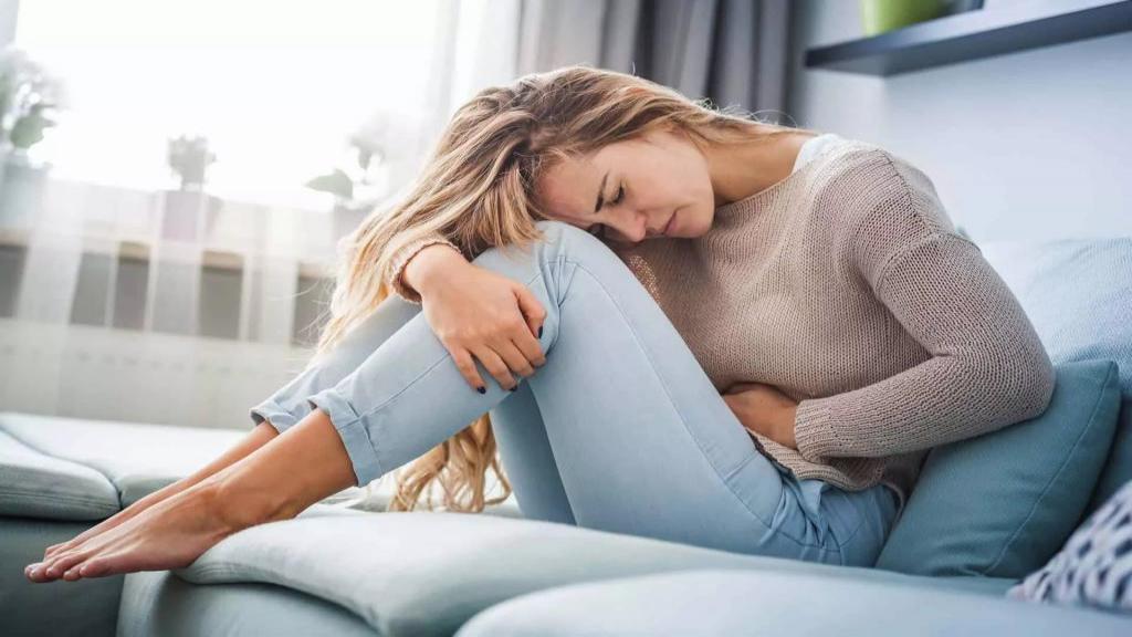 علت درد زیر شکم سمت چپ + درمان درد در سمت چپ پایین شکم