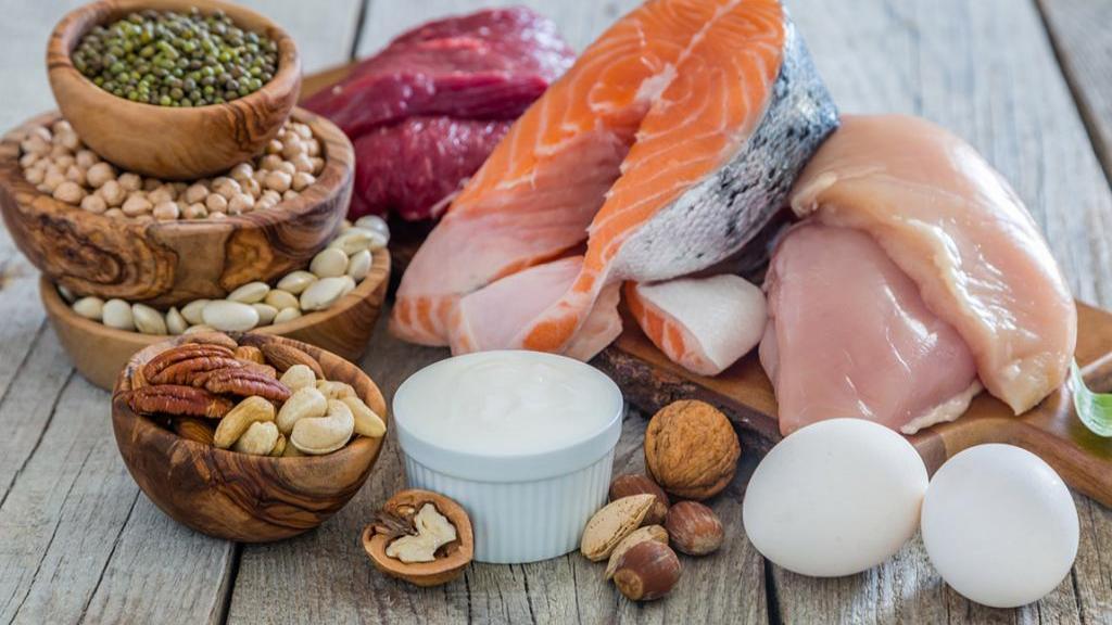 خواص پروتئین در بدنسازی و لاغری؛ 10 دلیل علمی برای خوردن پروتئین