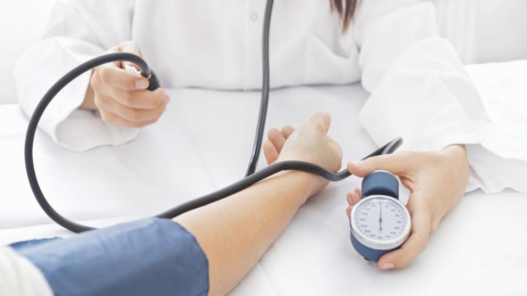 فشار خون بالا؛ علت ها، علائم، روش تشخیص و درمان فشار خون بالا + عوارض جانبی آن