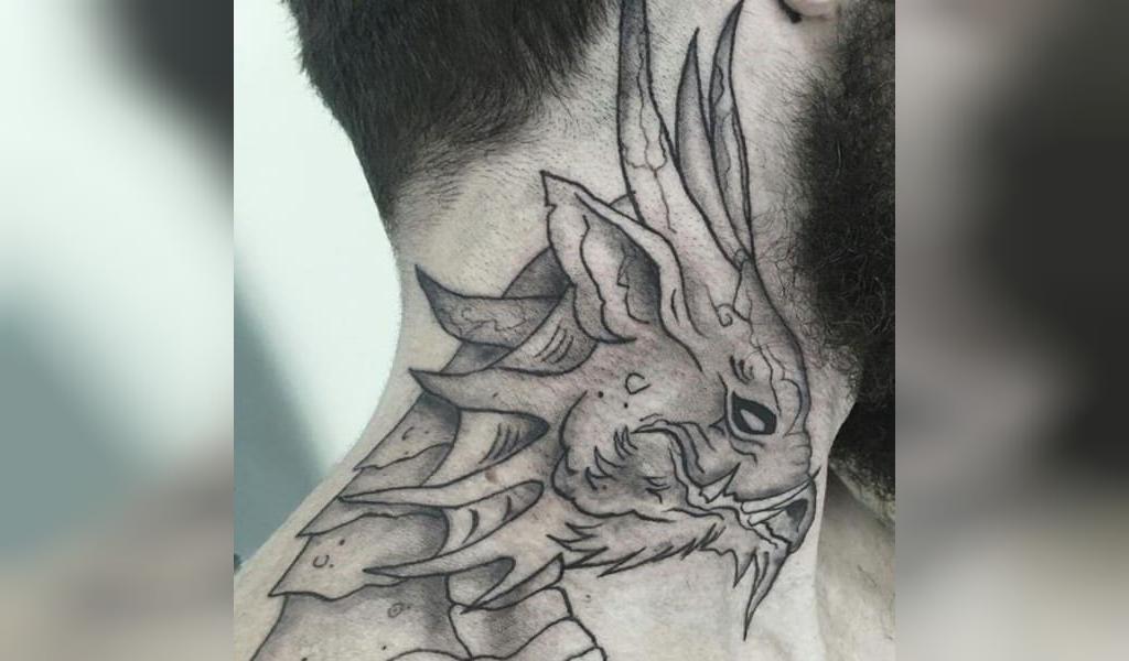 طرح خالکوبی گردن مردانه اژدها