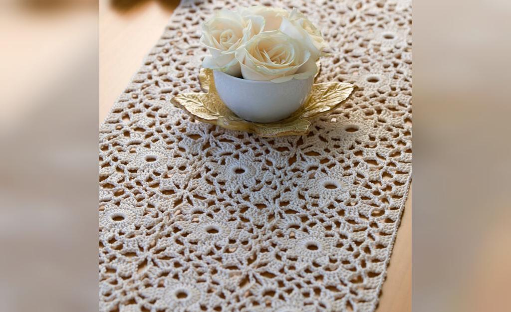 مدل رومیزی قلاب بافی با نخ ابریشم