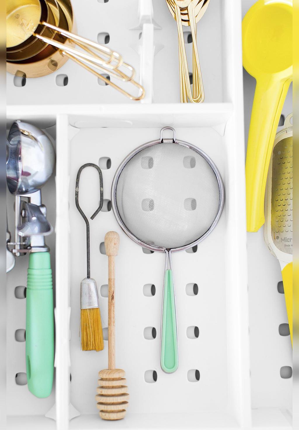 تقسیم کننده های کشو مفید برای آشپزخانه های کوچک