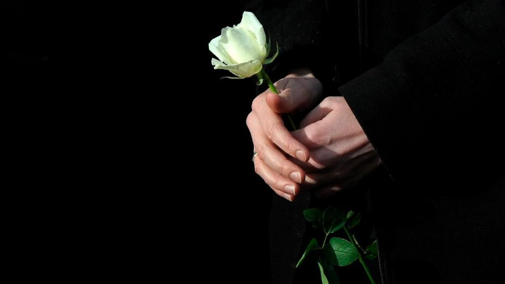 پیام تسلیت جوان ناکام و نوجوان + متن و شعر سوزناک مرگ جوان