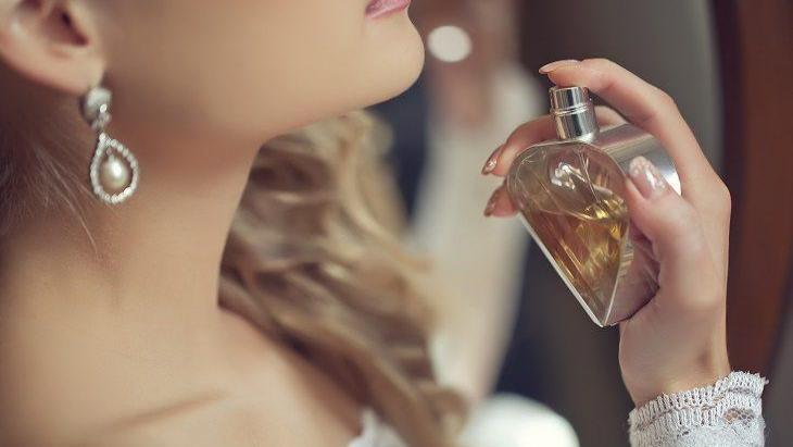 روانشناسی عطرها؛ استفاده از عطرها چه تأثیری بر روان انسان دارد؟