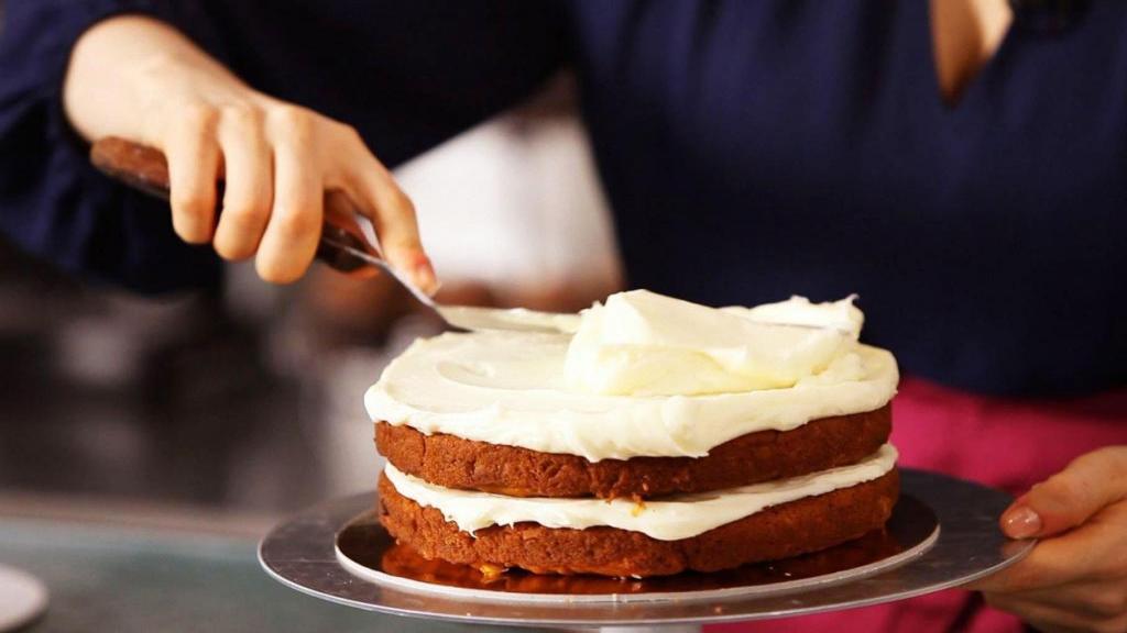 طرز تهیه خامه کیک با پودر خامه به روش قنادی در خانه