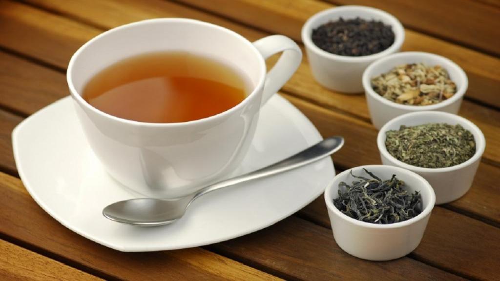 فواید و مضرات چای در طب سنتی؛ نکاتی ضروری در استفاده از چای