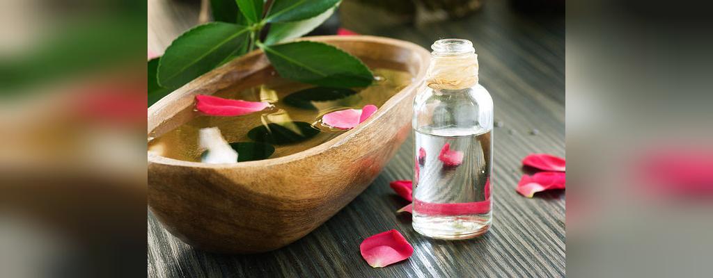 درمان جوش با گلاب