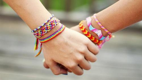 مدل دستبندهای بافتنی زیبا دخترانه و پسرانه به همراه آموزش