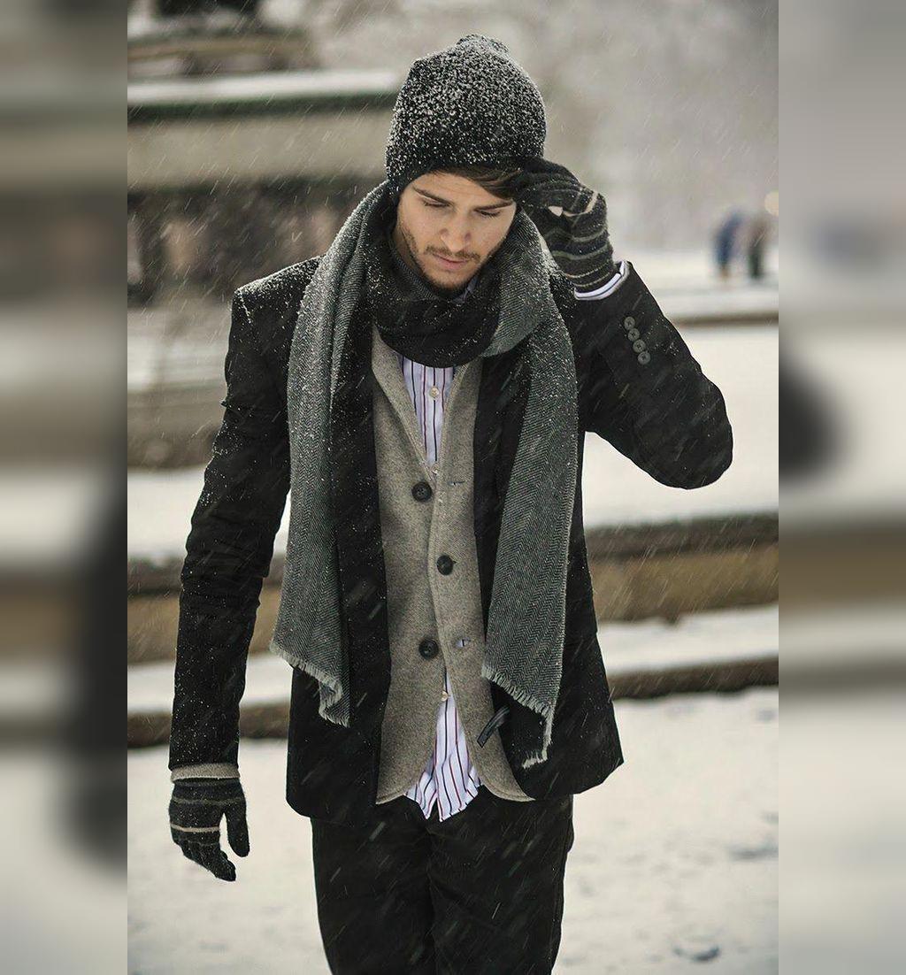 ژست عکس زمستانی پسرانه خاص در برف