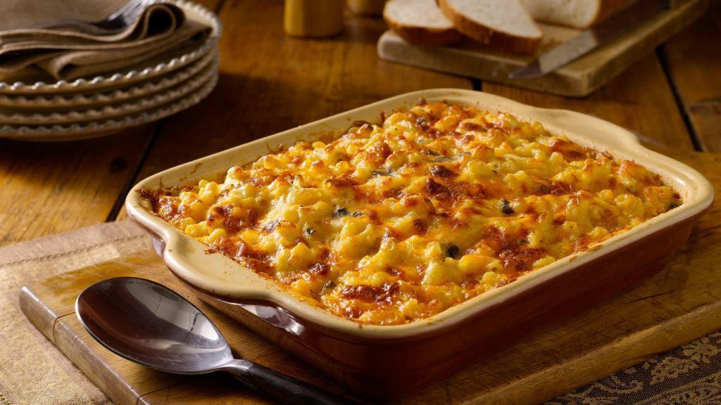 طرز تهیه ماکارونی با پنیر پیتزا، قارچ و گوشت خوشمزه در فر و تابه