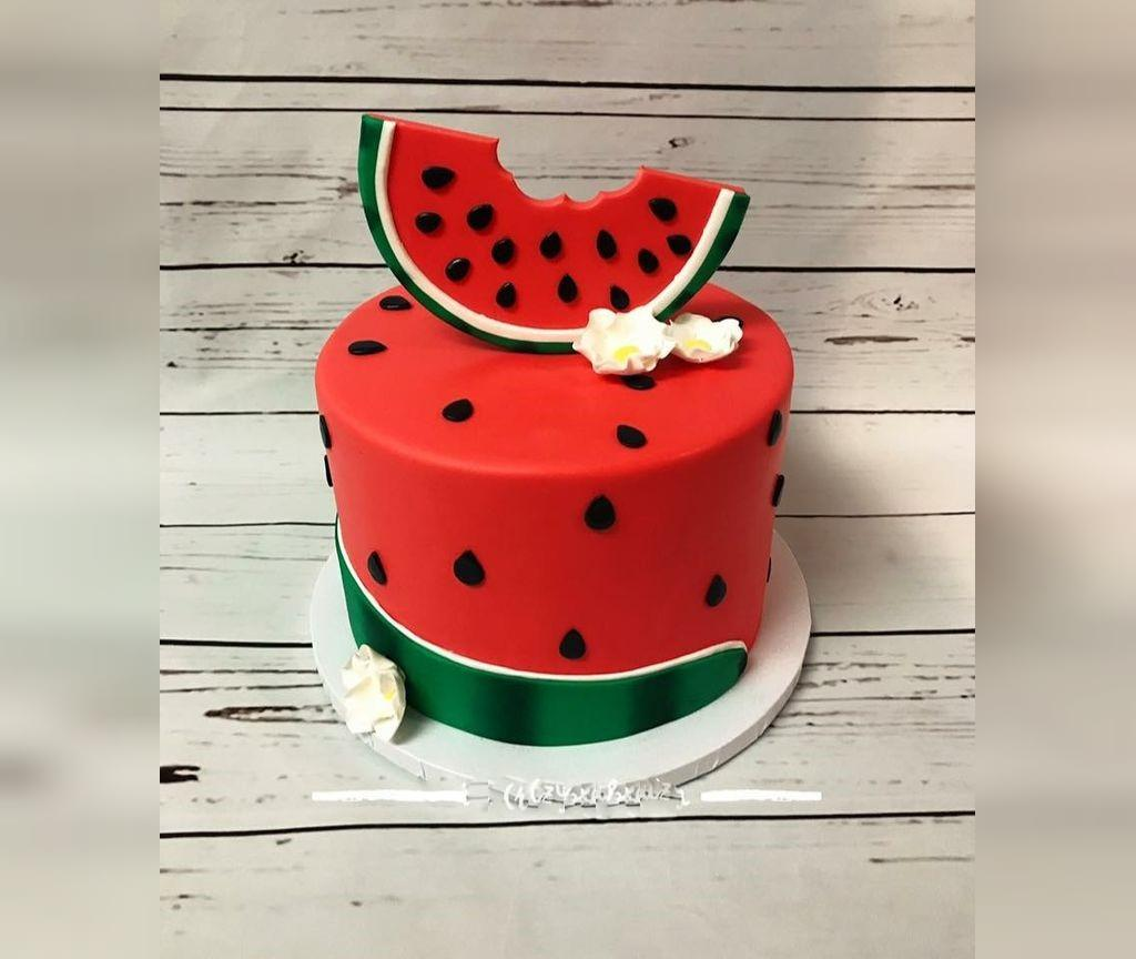 ایده تزیین کیک هندوانه ای شب یلدا برای عروس
