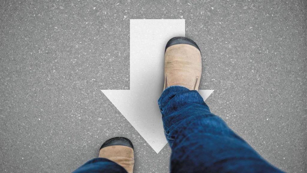 فواید پیاده روی برعکس (راه رفتن رو به عقب) برای سلامت ذهن و بدن