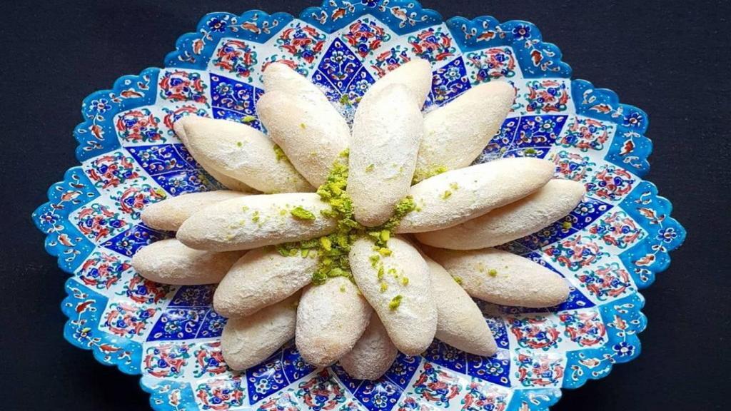 طرز تهیه شیرینی ساق عروس خانگی خوشمزه و مجلسی مازندرانی